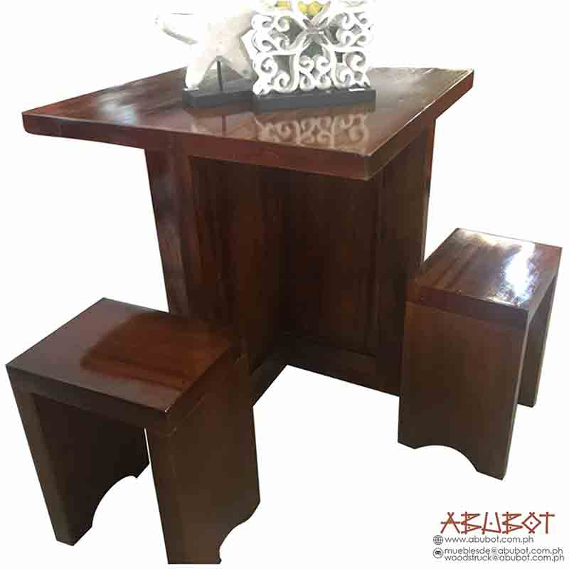 Game Table w/ 4 Mini Stool