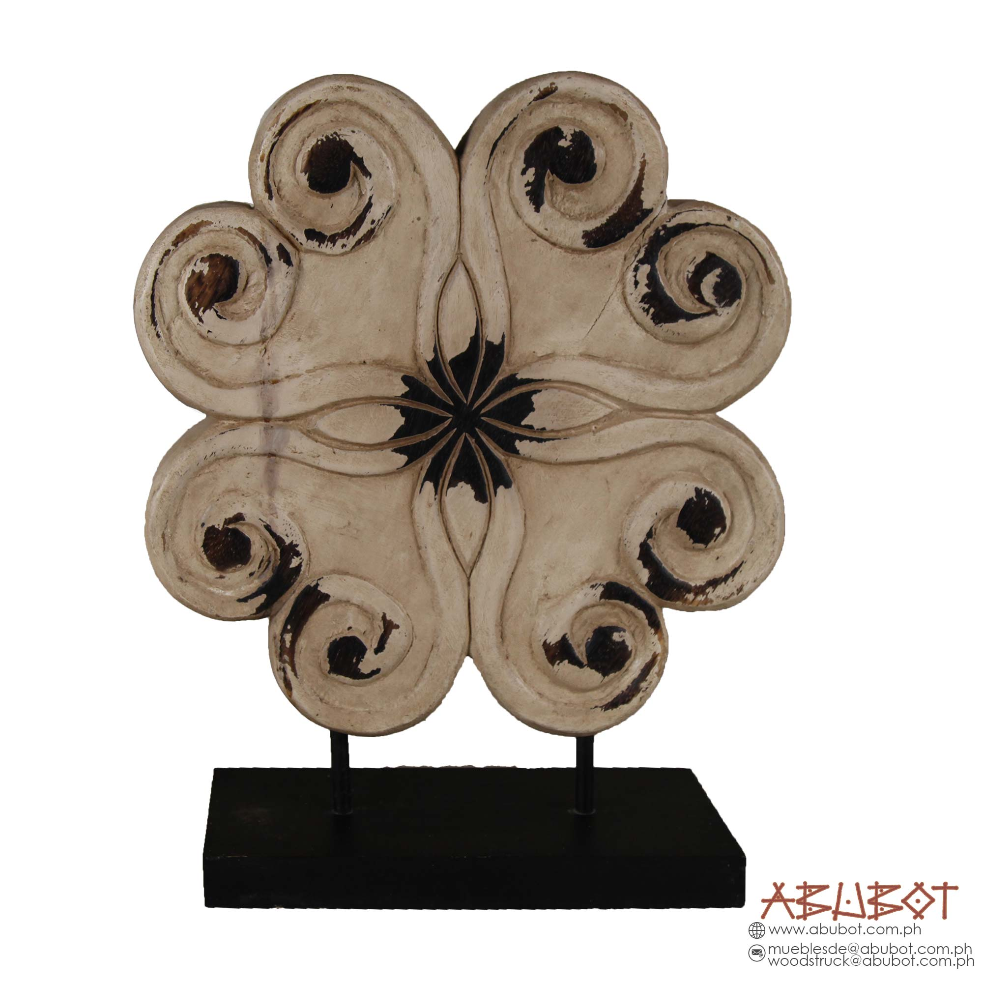 PAT 403 : WOODEN FLOWER ON BASE